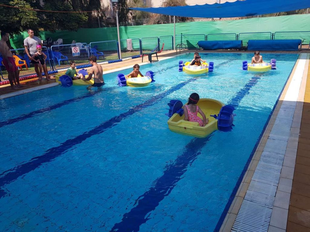 הבריכה רמות השבים-פעילויות בבריכה